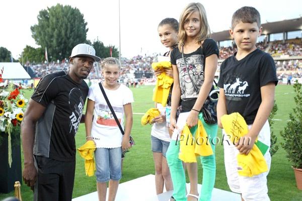 Usain Bolt With Kids