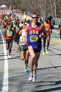 Ryan Hall en route to his 2:04:58 in 2011