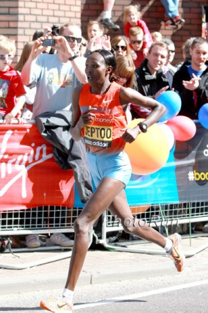 Priscah Jeptoo Leading 2013 London Marathon