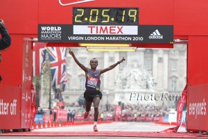 Tsegaye Kebede winning London in 2010 *More 2010 London Marathon Photos