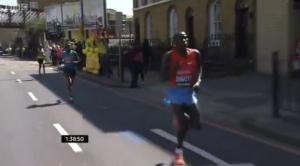 Stanley Biwott pulls away at 1:38 mark of 2013 London Marathon