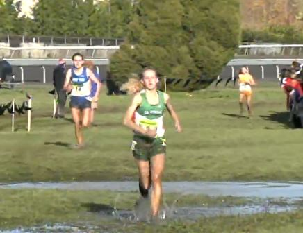 Sarah Baxter just seconds away from victory last year (Mary Cain in the background)