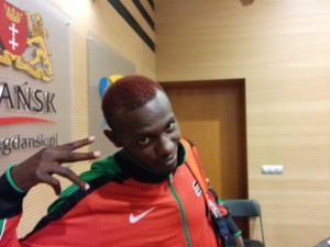 Caleb Ndiku Shows His Hair