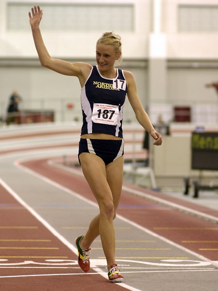 Johanna Nilsson Waves After Completing the NCAA Mile-3000 Double (Photo by Randy Miyazaki, TrackandFieldPhoto.com, More 2006 NCAA Photos Here)