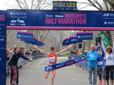 Kastor ran 71:38 to set the US Masters half marathon in April 2014, a mark she lowered to 69:37 five months later. Photo by Jane Monti for RRW.