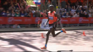 Kipsang in the finishing straight