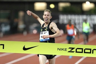 Galen Rupp American Record 26:44.36! (More Rupp AR Photos)
