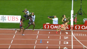 Jenny Simpson - dives for the finish