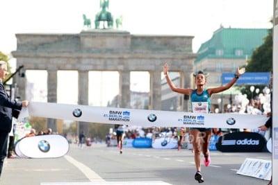 Tsegaye winning Berlin in 2014