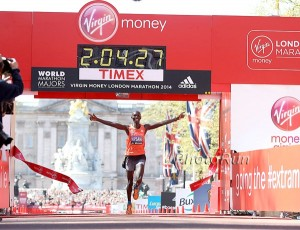 Wilson Kipsang Breaks the Course Record in London