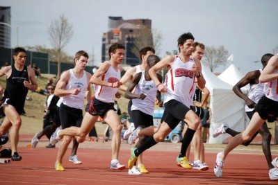 Nate (black socks) focused on the 400/800 in college at SUU