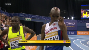 Mo Farah kisses the Union Jack pre-race