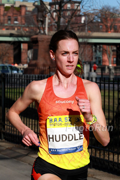 Molly Huddle on Her Way to 14:50 Road 5k Record