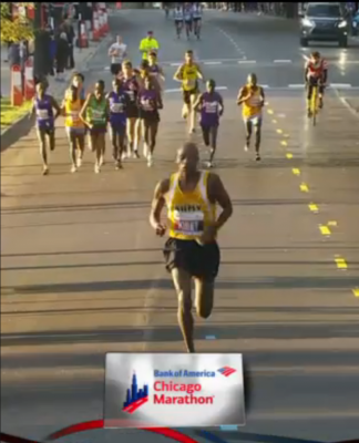 Elkanah Kibet leading in Chicago earlier this month