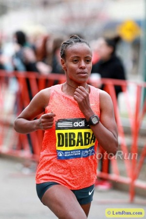 Dibaba en route to a second-place finish in Boston last year