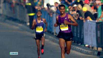 Tesfaye Abera  pulls away from Hayle Lemi Berhanu