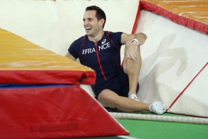Lavillenie laughs off his terrifying fall. © Getty Images for IAAF