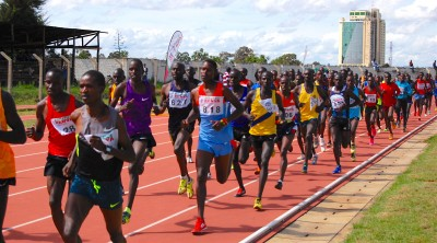 A sea of bodies on the track during the men's 10,000
