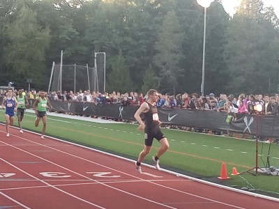 Murphy leans at the line