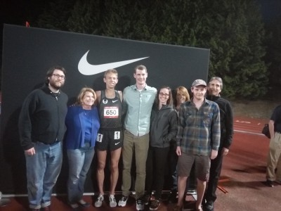 Galen Rupp poses with Paul Banta's family