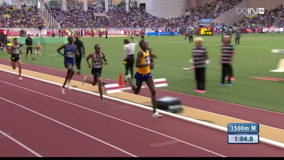 Kiprop just after 400