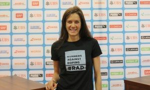 Kate Grace poses before competing over 800m at the Weltklasse Zurich IAAF Diamond League meeting on September 1 at the Letzigrund stadium (photo by Chris Lotsbom for Race Results Weekly)
