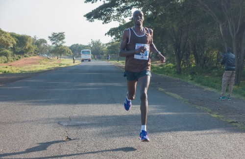 Tanui en route to victory