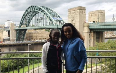Vivian Cheruiyot and Tirunesh Dibaba in advance of the 2016 Great North Run in Newcastle, England (photo by David Monti for Race Results Weekly)