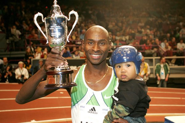 Lagat and Son Miika in 2007 at Millrose