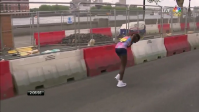 Dibaba overcame some late race troubles and still broke 2:18