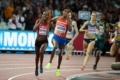 Kipyegon after Hassan with 100 to go