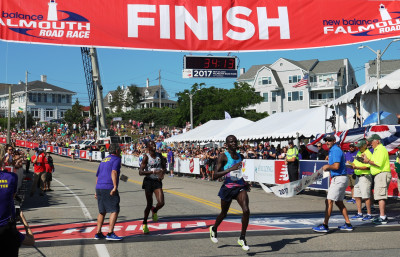 Stephen Sambu of Kenya wins his fourth New Balance Falmouth Road Race in 32:14 (photo by Chris Lotsbom for Race Results Weekly)