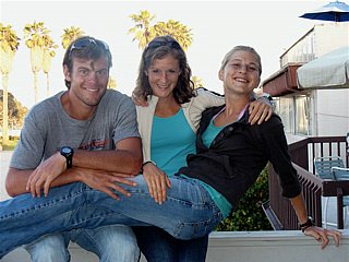 Alicia (center) leaned on Fleshman (right) to help her through her darkest hour