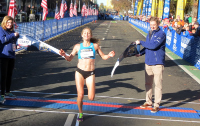 Sara Hall of Redding, Calif., wins the 2017 USA Marathon Championships women's title at the California International Marathon in Sacramento, Calif., in 2:28:10 (photo by David Monti for Race Results Weekly)
