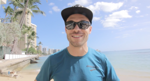 Nick Symmonds on Waikiki Beach in Honolulu (photo by Taylor Dutch for Race Results Weekly)