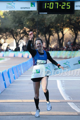 Molly Huddle Breaks the American Record in Houston