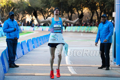 Jake Robertson Wins 2018 Aramco Houston Half