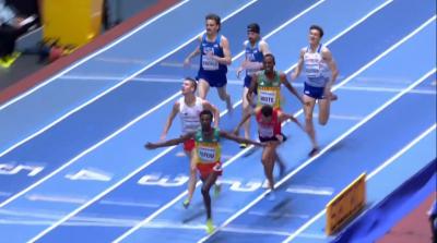 The 1500m finish