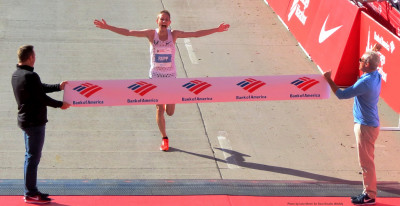PHOTO: Galen Rupp winning the 2017 Bank of America Chicago Marathon in a personal best 2:09:20 (photo by Jane Monti for Race Results Weekly)
