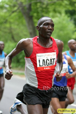 Lagat at the 2009 Healthy Kidney 10K