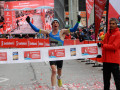 Cam Levins setting a new Canadian marathon record of 2:09:23 at the 2018 Scotiabank Toronto Waterfront Marathon (photo by Carole Fuchs for African Athletics; used with permission)