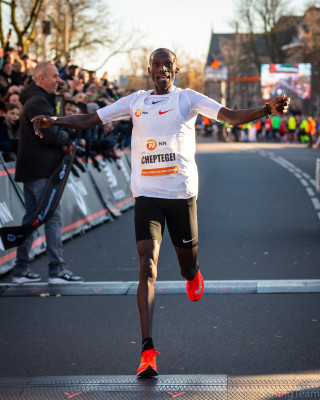 Cheptegei celebrates. Photo courtesy of NN Running Team.