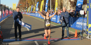 Emma Bates wins the 2018 USATF Marathon Championships women's title at the California International Marathon in Sacramento, Calif., on Sunday, December 2, in her debut at the distance in 2:28:18 (photo by David Monti for Race Results Weekly)