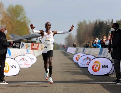 Kipchoge wins NN Mission Marathon